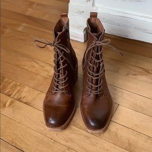 NWT Frye Women's Monroe Lace up Boots